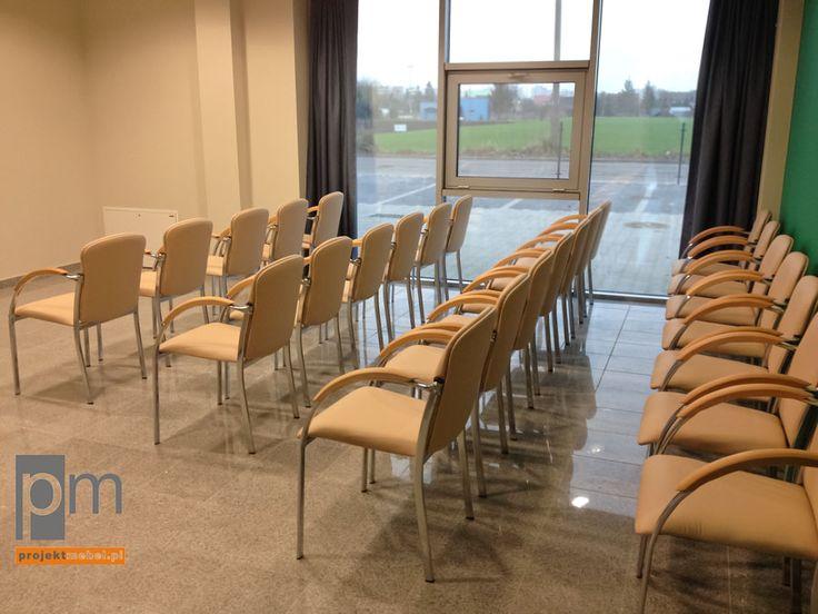 Sala szkoleniowa w OCEO opis na http://www.projektmebel.pl/oferta/stoly-konferencyjne