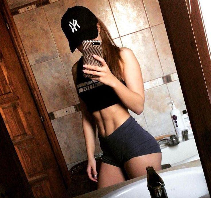 Ki várja már a edzős videót? Remélem tetszeni fog #fitness #fitnessgirl #workout