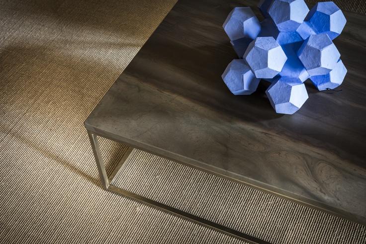 Hugo coffee table A display of exquisite Italian craftsmanship.