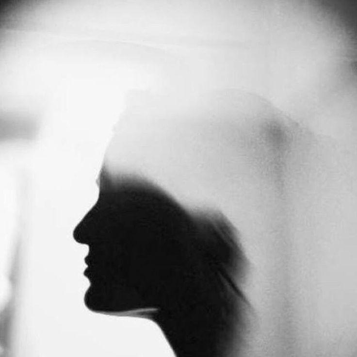 #continues #suquential #semaozevin #spiritual #abstract #conceptual #emotion #mood #mental #tin #paradox #loop #imagination #linear #graphical #mind #bw #siyahbeyaz #art #macro #experimental #paradoxicalloop #hiç #saatchiart #artgallery #photooftheday #ignation #soyut #sanat #contemporary #art http://turkrazzi.com/ipost/1515858361241242213/?code=BUJaSXvlwpl