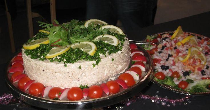Denne tunmousse lavede til min mands 30 års fødselsdag. Tema'et var 80'erne, så en tunmousse var et absolut must. Denne portion passer til e...