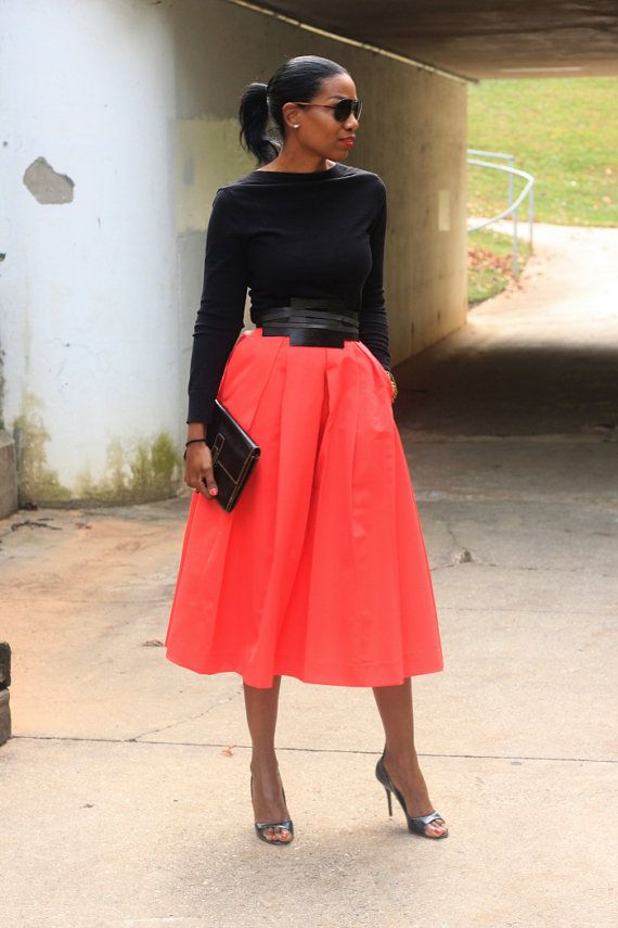 Love the midi skirt..