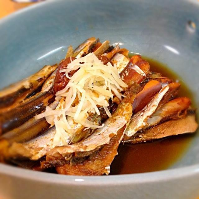 釣り魚のイワシを使って煮物を作りました。イワシはEPAが豊富、血管若返りです。 圧力鍋を使うと骨まで柔らかく食べられます。 - 71件のもぐもぐ - 釣魚料理 イワシの生姜煮 by shinnriko