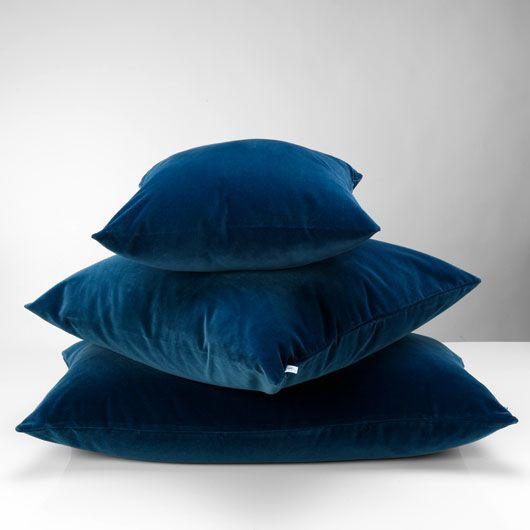 velluto pillow blue