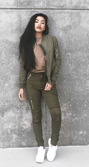 Urban fashion, streetwear, street style, women's fashion