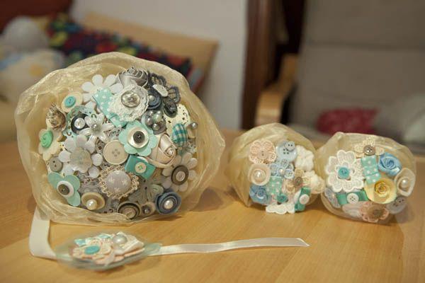 Azzurro Tiffany e bouquet di bottoni per un matrimonio in famiglia: Margherita e Americo