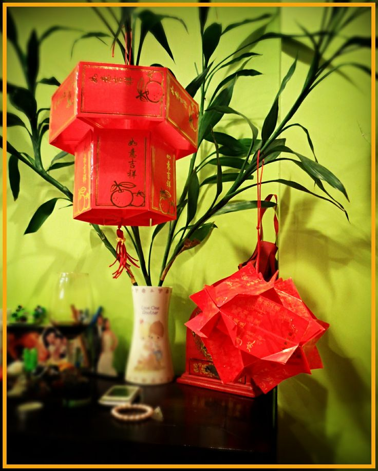 DIY Chinese lanterns made with red (lai see) packets