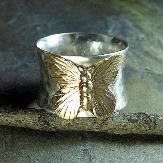 Vlinder ring sterling zilveren brede band brass handgemaakte metaalwerk smid natuur sieraden - op gouden vleugels