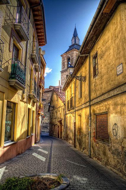 Trastamara Street, León, Castilla y León, Spain