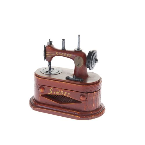 #Miniature red #SewingMachine #ClassicalStyle
