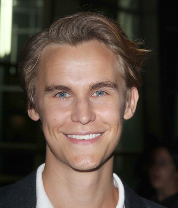 Top Rhys Wakefield Smile As Icons