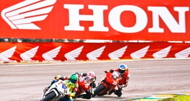 Pilotos Honda buscam dobradinha no Campeonato Paulista do SuperBike Series Brasil 2014 | VeloxTV