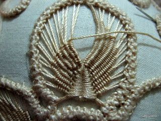 MACRAME' RUMENO - POINT LACE : Work in progress 2 (PETALO)