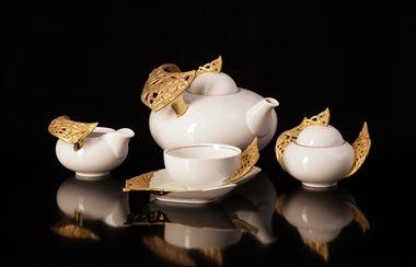 Picture of Chekhov Tea Set (Gold)