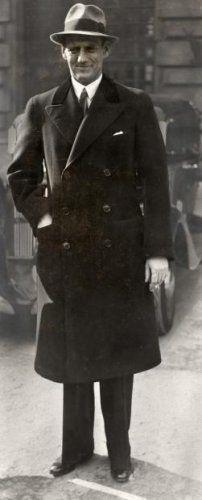 Fotograaf onbekend | Vorstenhuizen, koningshuis Denemarken. Christiaan Frederik Frans Michaël Karl Waldemar George (1899 - 1972) koning van Denemarken van 1947 - 1972.  Foto: op 15 maart 1935 verlooft de Deense kroonsprins zich met de Zweedse prinses Ingeborg .