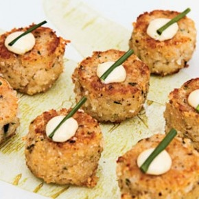 Fishcakes (salmon or tuna, mashed potato, finely diced onion, herbs, crumbed, pan-fried)