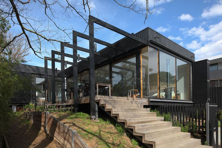Chiverton Architects have designed a modern extension toa Victorian House in Ivanhoe, Melbourne. #ModernExtension