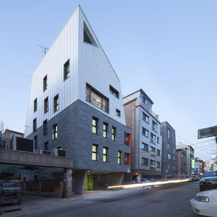 Gallery of White Edge on Brick / Designband YOAP Architects - 10