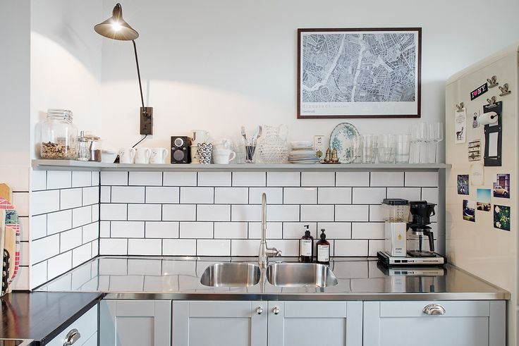 subway tiles in the kitchen - via Coco Lapine Design