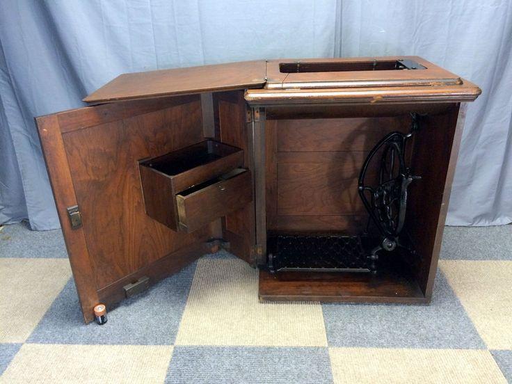 Empty Antique Singer Treadle Sewing Machine 24 Tiger Oak