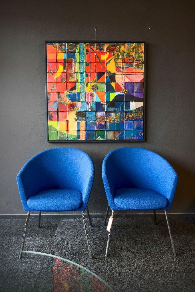 Het begon in Gytsjerk, en nu zit Theresales ook in Groningen. Een loods vol tweedehands design is de uitgekomen droom van Theresa Hoogland.