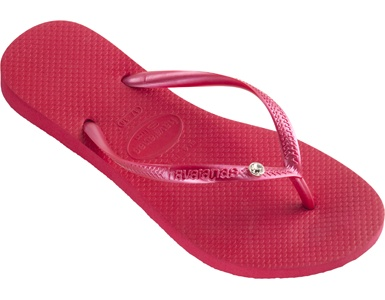 Red Havaianas!! And in my favorite style. Bring on the summer.