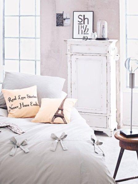 die besten 25 shabby chic betten ideen auf pinterest. Black Bedroom Furniture Sets. Home Design Ideas