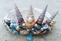 Découvrez ma nouvelle creation⚡ #witch #witches #witchcraft #hp #harrypotter #diy #doityourself #cosplay #cosplayer #accessories #alternativegirl #alternative #handmadeisbetter #hogwarts #potterhead #hairaccessories #hairstyle #crown #mermaid #mermaidcrown #shell #seashells #forest #faun #headband #headpiece #tiara #sirene #mademoisellemavelton #fairy