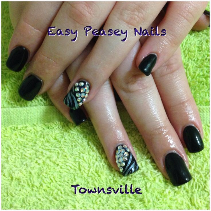 Black nails nailart art shellac bling tiger silver swarovski crystal crystals
