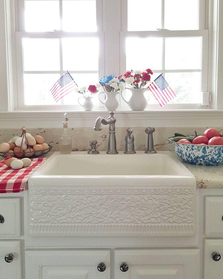 Simple Patriotic Kitchen Decor Farmhouse Farmsink Whitedecor