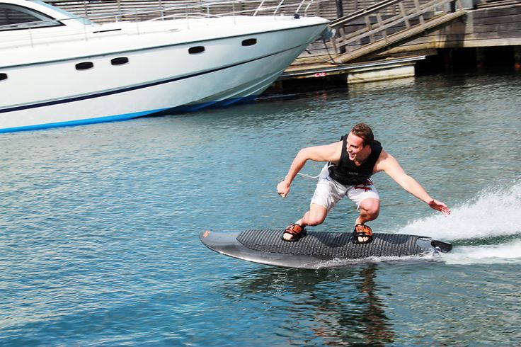 Electric Powered Wakeboard by Radinn Lets You Ditch the Boat (6 pictures, 2 videos)