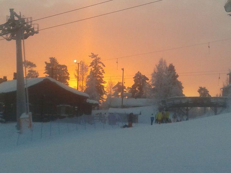Talven taivas on väriä täynnä