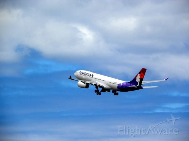 The first flight of Hawaiian Airline's newest aircraft the Hawaiian Airbus A330-200. (This is the first flight to KLAX from HNL)
