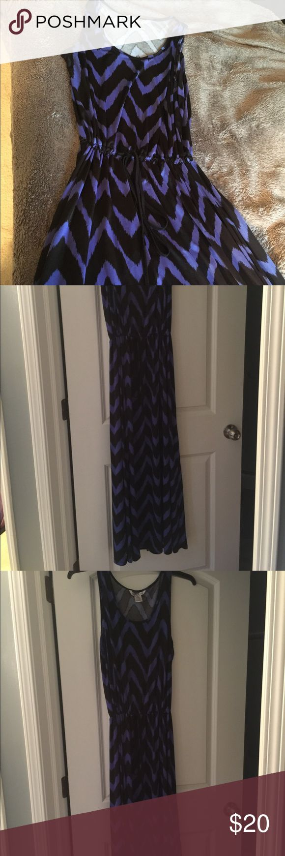 Black and Blue Chevron maxi dress Great flowy and comfortable maxi dress! Cinches at the waist with a draw string. Good used condition christine Dresses Maxi
