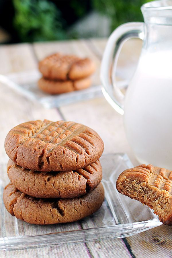 The simplest recipe for sugar free Peanut Butter Cookies! Perfect for a low carb or ketogenic diet. Who says you can't have healthy desserts?