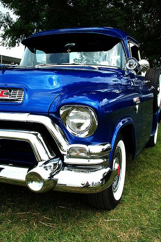 1956 #GMC 100 looking stunning in bright blue. #Classic #American #PickUp #Truck