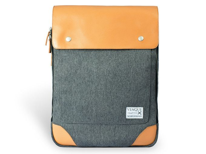 The Flatsquare backpack by Venque.- A truly natty backpack, made with Quanta fabric which is water repellent, dust repellent, anti-scratch, high density and stain resistant. Click to see more images and purchase from The Natty™ shop on Luvocracy. #thenatty #bag #