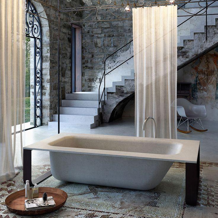#ConcreteBath di @glass1989  realizzata in #MineraLite rivisita il concetto tradizionale di #vasca da #bagno. L'utilizzo di materiali estremamente versatili, con diverse tipologie di finitura ed estetica, sono la risposta per chi cerca l'innovazione ed il buon gusto nell'#arredamento. www.gasparinionline.it #arredobagno #vascadabagno #interiors #design #picoftheday #ideebagno