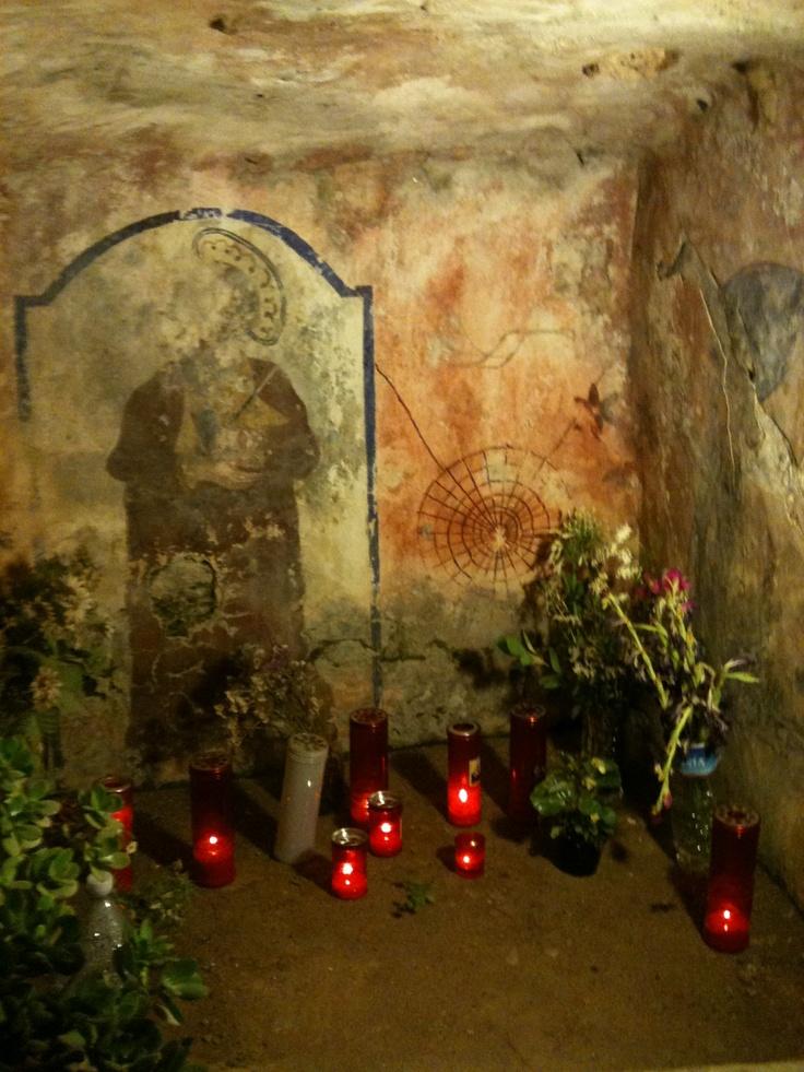 La Crypta di San Paolo, da notare la ragnatela come connessione con il mondo della Pizzica & Taranta