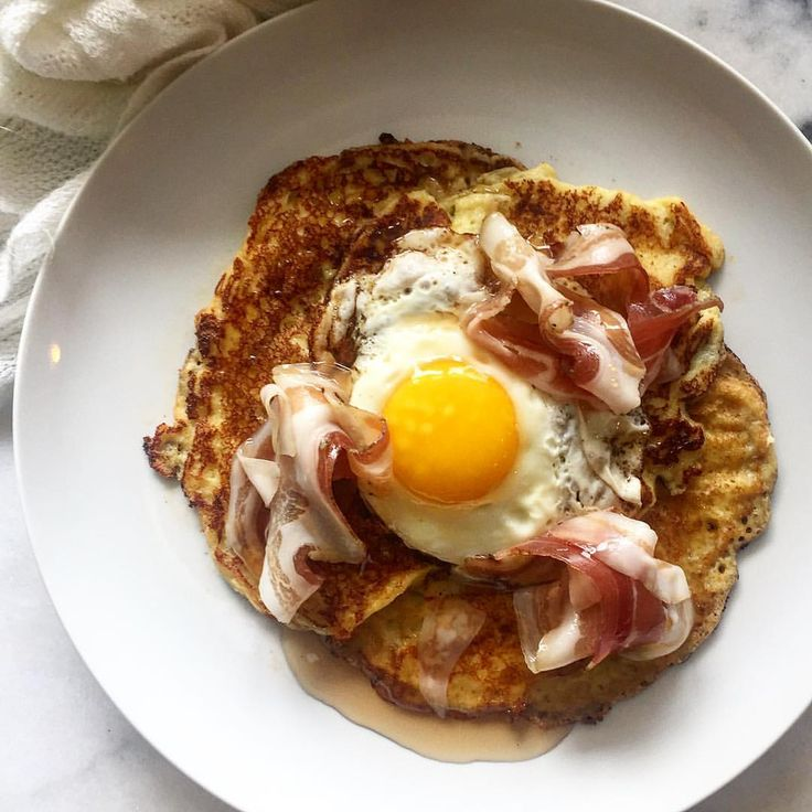 Lavender ricotta pancakes with a sunny-side egg and pancetta. [1080  1080] - see http://www.classybro.com/ for more!