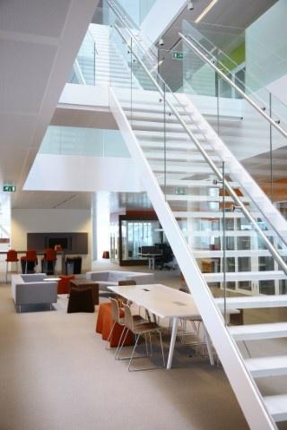 In 2008 betrok microsoft haar nieuwe hoofdkantoor op schiphol inmiddels geldt de inrichting als - Geldt bold ...