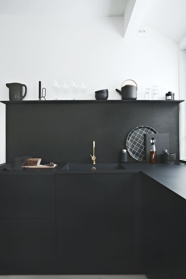 """// Sponsored Post """"Black on black"""" Schwarze Küchen sind heutzutage sehr heiß"""