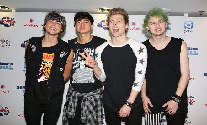 5 Seconds of Summer Cancel Tour Dates With One Direction: Theyre Performing at VMAs!   Cambio