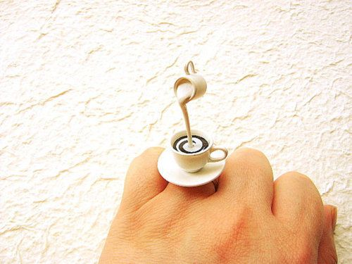 .Cream Rings, Crazy Cups, Coffe Cups, Cups Rings, Coffe Art, Coffee Cups, Coffe Jewelry, Coffe Rings, Fun Jewelry
