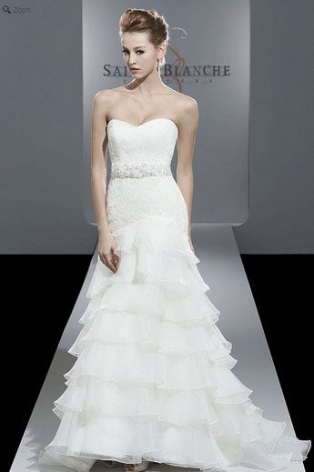 Saison Blanche Wedding Gown - Boutique Collection - Style #B3138