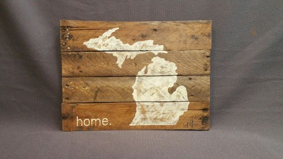 State of Michigan Reclaimed Wood Pallet wall Art, Christmas Gift, Hand painted, home, Wall art sign, barn wood, Distressed, Rustic & Shabby