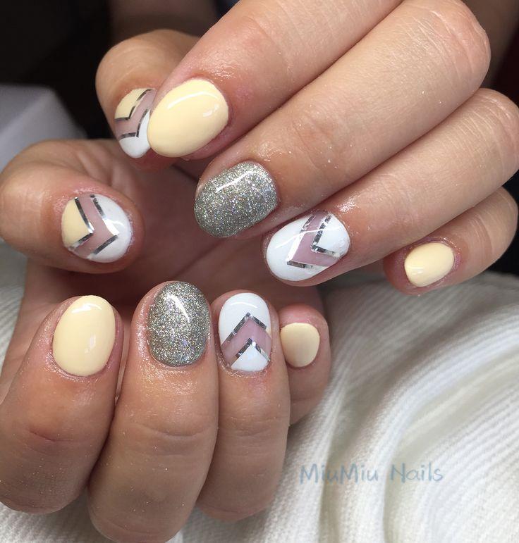 vaniliacolor gel nails #cute #elegant #pretty #fashion  #shortnails  #nails #gelnails #nailstagram #likeforlike #like4like #dailylook #nailsofinstagram #손스타그램 #데일리 #좋아요 #팔로우 #팔로우미 #패션 #네일아트 #젤네일 #네일 #부다페스트 #ネイル#ネイルアート#ネイルデザイン#ブダペスト