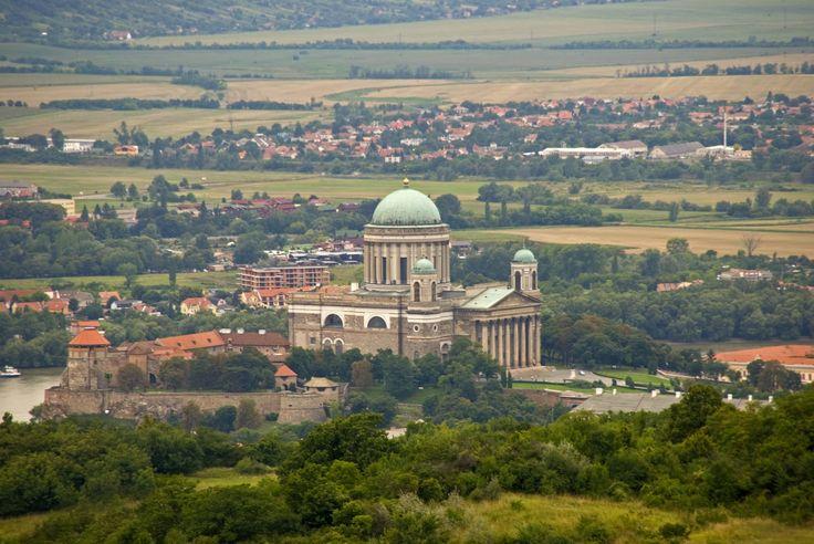 Esztergomi bazilika a Vaskapuból fotózva.