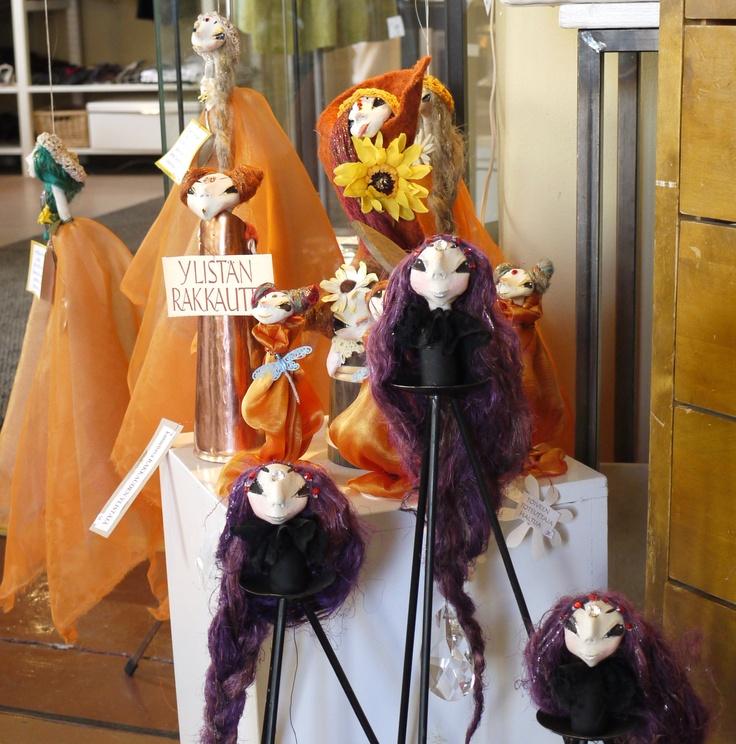 Jonk Galleria: Tuija Leinonen handmade dolls.