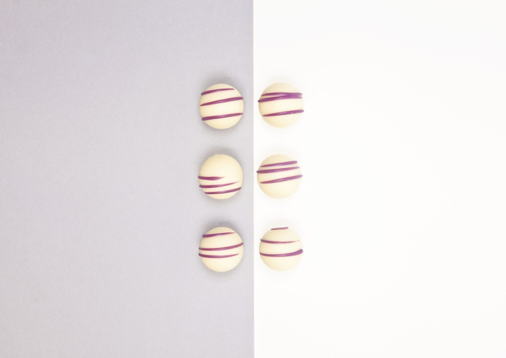 minimalist food photography- chocolate